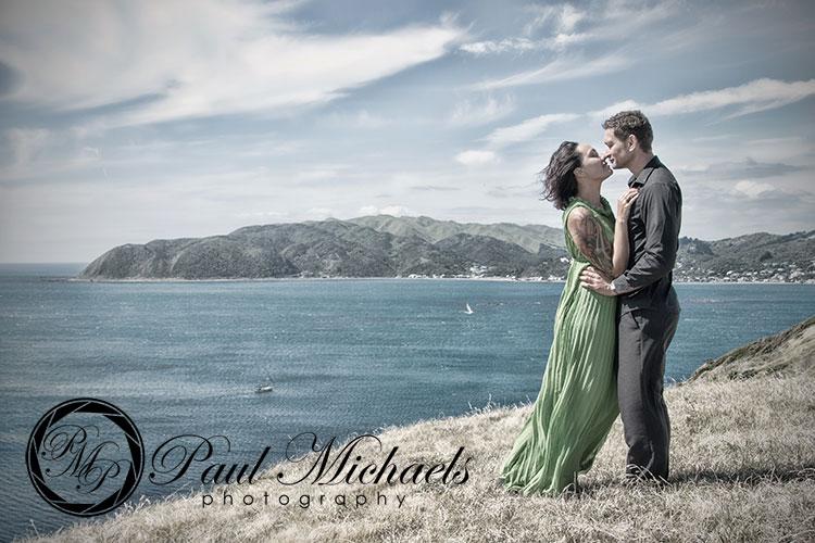 Romantic couple photography at whitireia park.