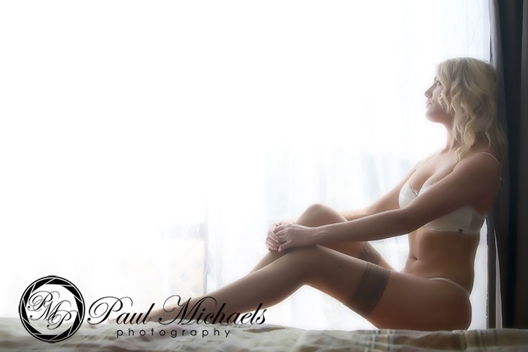 Glamour portraits, lingerie and boudoir photography.